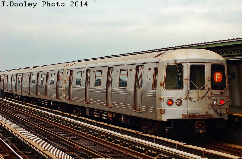 (339k, 1024x675)<br><b>Country:</b> United States<br><b>City:</b> New York<br><b>System:</b> New York City Transit<br><b>Line:</b> BMT Culver Line<br><b>Location:</b> Avenue I <br><b>Route:</b> F<br><b>Car:</b> R-46 (Pullman-Standard, 1974-75) 5592 <br><b>Photo by:</b> John Dooley<br><b>Date:</b> 6/9/2014<br><b>Viewed (this week/total):</b> 1 / 667