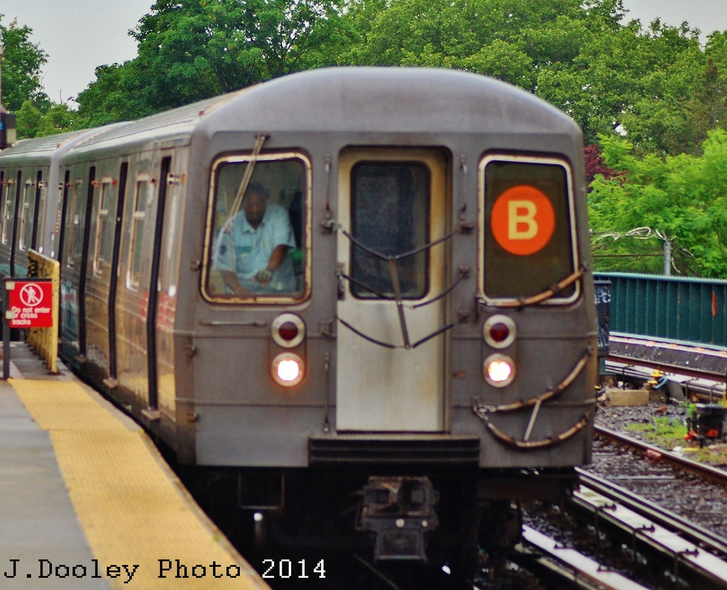 (401k, 1024x831)<br><b>Country:</b> United States<br><b>City:</b> New York<br><b>System:</b> New York City Transit<br><b>Line:</b> BMT Brighton Line<br><b>Location:</b> Sheepshead Bay <br><b>Route:</b> B<br><b>Car:</b> R-68A (Kawasaki, 1988-1989)  5100 <br><b>Photo by:</b> John Dooley<br><b>Date:</b> 6/19/2014<br><b>Viewed (this week/total):</b> 3 / 400