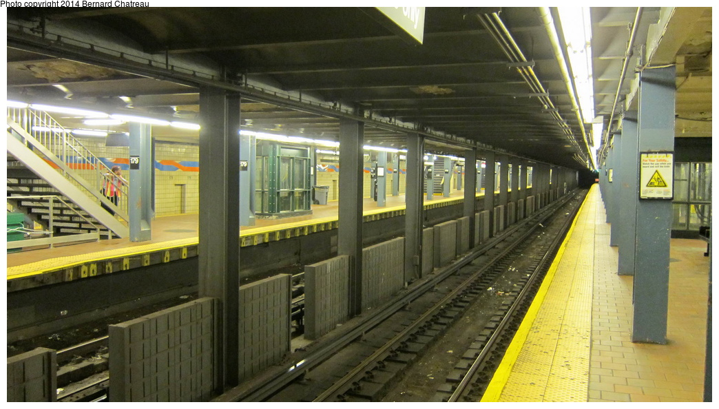 (273k, 1044x594)<br><b>Country:</b> United States<br><b>City:</b> New York<br><b>System:</b> New York City Transit<br><b>Line:</b> IND Queens Boulevard Line<br><b>Location:</b> 179th Street <br><b>Photo by:</b> Bernard Chatreau<br><b>Date:</b> 9/28/2011<br><b>Viewed (this week/total):</b> 7 / 550