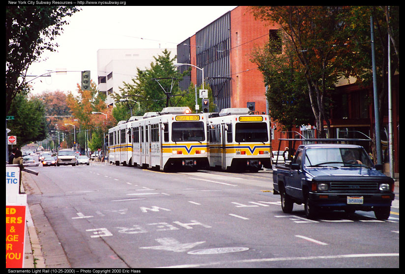 (158k, 824x557)<br><b>Country:</b> United States<br><b>City:</b> Sacramento, CA<br><b>System:</b> SACRT Light Rail<br><b>Location:</b> 12th & I <br><b>Photo by:</b> Eric Haas<br><b>Date:</b> 10/25/2000<br><b>Viewed (this week/total):</b> 5 / 2235
