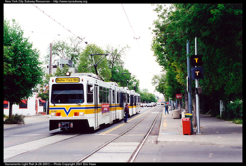 (163k, 824x557)<br><b>Country:</b> United States<br><b>City:</b> Sacramento, CA<br><b>System:</b> SACRT Light Rail<br><b>Location:</b> 12th & I <br><b>Car:</b> Sacramento Siemens LRV  136 <br><b>Photo by:</b> Eric Haas<br><b>Date:</b> 4/28/2001<br><b>Notes:</b> This is the 12th & I station, not much to look at.<br><b>Viewed (this week/total):</b> 2 / 1645