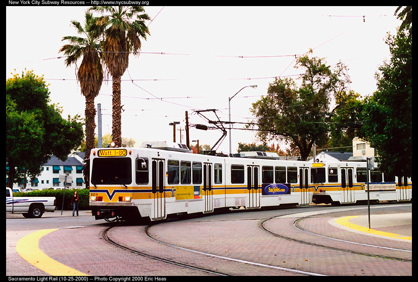 (168k, 824x557)<br><b>Country:</b> United States<br><b>City:</b> Sacramento, CA<br><b>System:</b> SACRT Light Rail<br><b>Location:</b> Archives Plaza <br><b>Car:</b> Sacramento Siemens LRV  123 <br><b>Photo by:</b> Eric Haas<br><b>Date:</b> 10/25/2000<br><b>Viewed (this week/total):</b> 0 / 1731