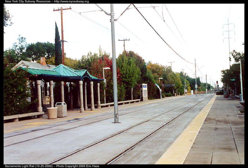 (133k, 824x557)<br><b>Country:</b> United States<br><b>City:</b> Sacramento, CA<br><b>System:</b> SACRT Light Rail<br><b>Location:</b> 48th Street <br><b>Photo by:</b> Eric Haas<br><b>Date:</b> 10/25/2000<br><b>Viewed (this week/total):</b> 1 / 1249