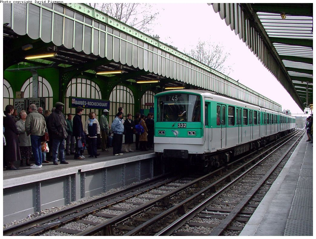 (192k, 1044x788)<br><b>Country:</b> France<br><b>City:</b> Paris<br><b>System:</b> RATP (Régie Autonome des Transports Parisiens)<br><b>Line:</b> Metro Ligne 2<br><b>Location:</b> Barbès-Rochechouart <br><b>Car:</b> MF67  <br><b>Photo by:</b> David Pirmann<br><b>Date:</b> 4/16/2000<br><b>Viewed (this week/total):</b> 6 / 7277