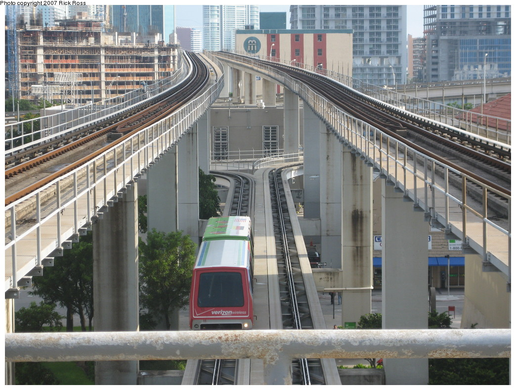 (276k, 1044x788)<br><b>Country:</b> United States<br><b>City:</b> Miami, FL<br><b>System:</b> Miami Metromover<br><b>Location:</b> Government Center <br><b>Photo by:</b> Rick Ross<br><b>Date:</b> 9/17/2006<br><b>Viewed (this week/total):</b> 1 / 1480