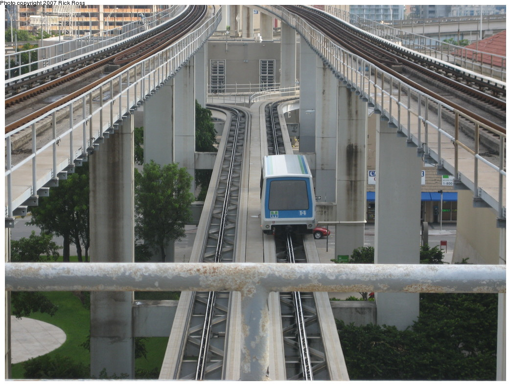 (242k, 1044x788)<br><b>Country:</b> United States<br><b>City:</b> Miami, FL<br><b>System:</b> Miami Metromover<br><b>Location:</b> Government Center <br><b>Photo by:</b> Rick Ross<br><b>Date:</b> 9/17/2006<br><b>Viewed (this week/total):</b> 3 / 1318