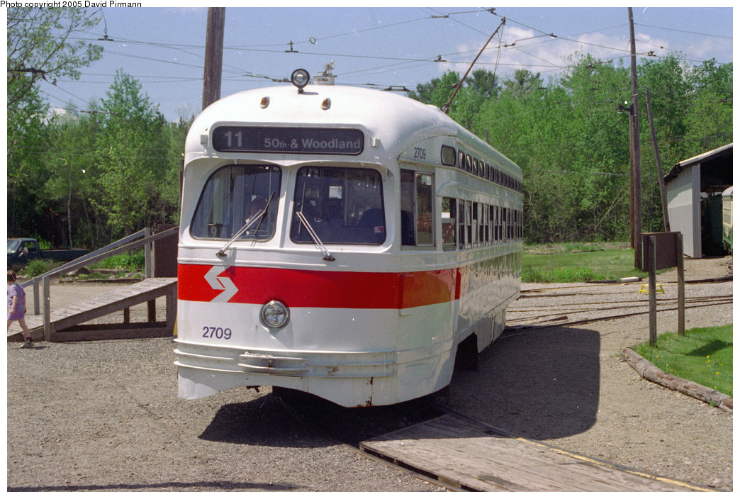 (238k, 1044x704)<br><b>Country:</b> United States<br><b>City:</b> Kennebunk, ME<br><b>System:</b> Seashore Trolley Museum <br><b>Car:</b> PTC/SEPTA Postwar All-electric PCC (St.Louis, 1947)  2709 <br><b>Photo by:</b> David Pirmann<br><b>Date:</b> 5/25/1996<br><b>Viewed (this week/total):</b> 7 / 4778