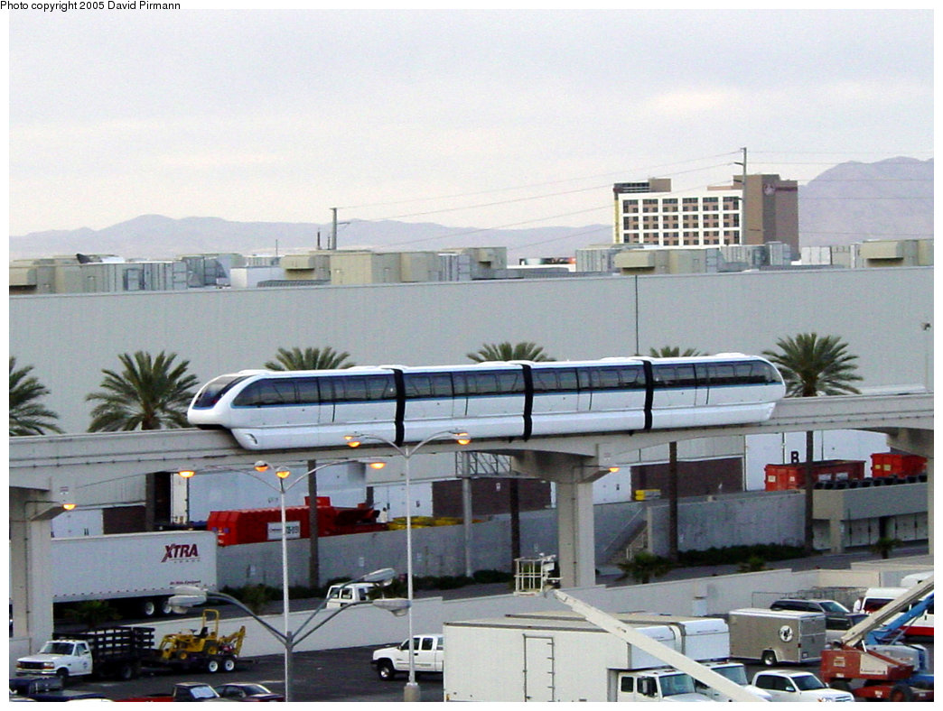 (208k, 1044x788)<br><b>Country:</b> United States<br><b>City:</b> Las Vegas, NV<br><b>System:</b> Las Vegas Monorail<br><b>Location:</b> Between Convention Center & Harrah's <br><b>Photo by:</b> David Pirmann<br><b>Date:</b> 4/22/2005<br><b>Viewed (this week/total):</b> 1 / 3247