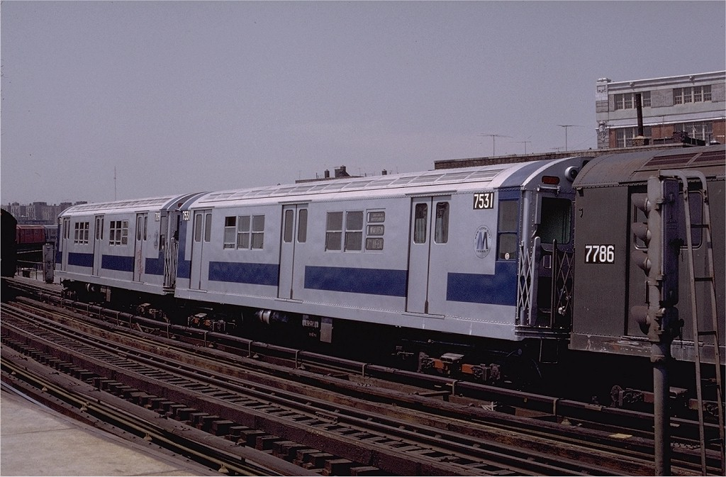 (187k, 1024x673)<br><b>Country:</b> United States<br><b>City:</b> New York<br><b>System:</b> New York City Transit<br><b>Line:</b> IRT White Plains Road Line<br><b>Location:</b> West Farms Sq./East Tremont Ave./177th St. <br><b>Route:</b> 2<br><b>Car:</b> R-22 (St. Louis, 1957-58) 7531 <br><b>Photo by:</b> Joe Testagrose<br><b>Date:</b> 5/6/1972<br><b>Viewed (this week/total):</b> 0 / 1825