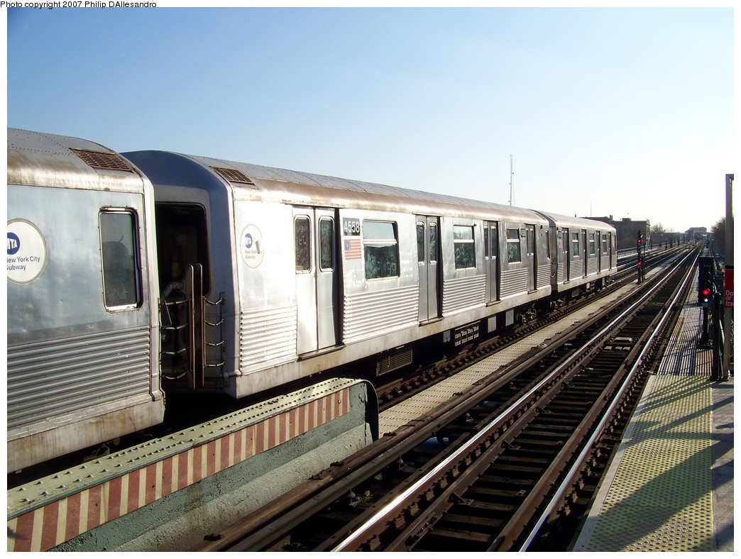 (236k, 1044x788)<br><b>Country:</b> United States<br><b>City:</b> New York<br><b>System:</b> New York City Transit<br><b>Line:</b> BMT Nassau Street/Jamaica Line<br><b>Location:</b> Chauncey Street <br><b>Car:</b> R-42 (St. Louis, 1969-1970)  4558 <br><b>Photo by:</b> Philip D'Allesandro<br><b>Date:</b> 12/28/2007<br><b>Viewed (this week/total):</b> 0 / 1696