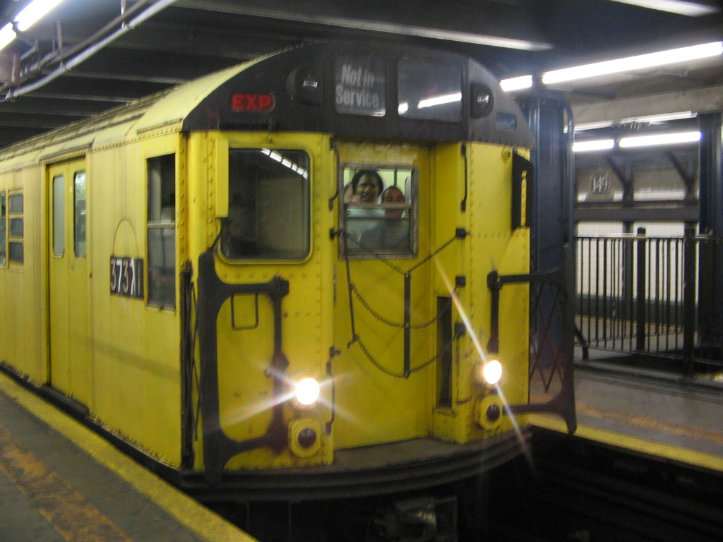 (226k, 1024x768)<br><b>Country:</b> United States<br><b>City:</b> New York<br><b>System:</b> New York City Transit<br><b>Line:</b> IRT Woodlawn Line<br><b>Location:</b> 149th Street/Grand Concourse <br><b>Route:</b> Fan Trip<br><b>Car:</b> R-22 (St. Louis, 1957-58) 37371 <br><b>Photo by:</b> Jose Martinez<br><b>Date:</b> 5/1/2005<br><b>Notes:</b> Work Motor 37371 on fantrip.<br><b>Viewed (this week/total):</b> 2 / 3274