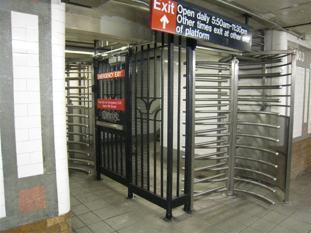(66k, 640x480)<br><b>Country:</b> United States<br><b>City:</b> New York<br><b>System:</b> New York City Transit<br><b>Line:</b> IRT West Side Line<br><b>Location:</b> 103rd Street <br><b>Photo by:</b> David Blair<br><b>Date:</b> 4/25/2007<br><b>Viewed (this week/total):</b> 5 / 930