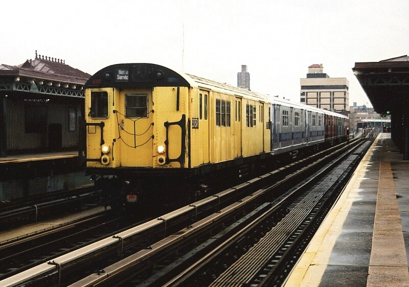 (207k, 800x561)<br><b>Country:</b> United States<br><b>City:</b> New York<br><b>System:</b> New York City Transit<br><b>Line:</b> IRT West Side Line<br><b>Location:</b> 207th Street <br><b>Route:</b> Fan Trip<br><b>Car:</b> R-22 (St. Louis, 1957-58) 37371 <br><b>Photo by:</b> Gary Chatterton<br><b>Date:</b> 5/1/2005<br><b>Notes:</b> Work Motor 37371 on fantrip.<br><b>Viewed (this week/total):</b> 1 / 2163