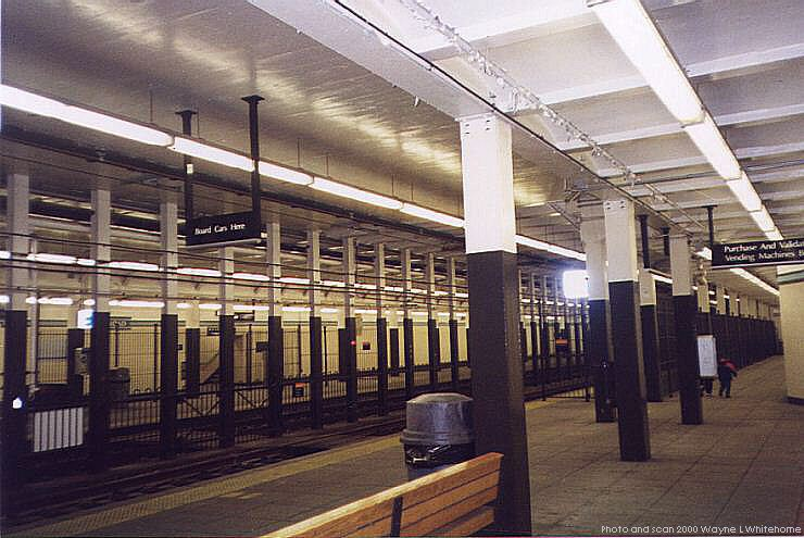 (79k, 740x495)<br><b>Country:</b> United States<br><b>City:</b> Newark, NJ<br><b>System:</b> Newark City Subway<br><b>Line:</b> 7-City Subway<br><b>Location:</b> Military Park (formerly Broad Street) <br><b>Photo by:</b> Wayne Whitehorne<br><b>Date:</b> 3/13/2000<br><b>Notes:</b> Broad Street Station<br><b>Viewed (this week/total):</b> 0 / 3504