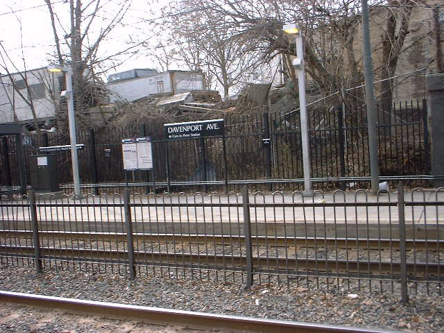 (112k, 640x480)<br><b>Country:</b> United States<br><b>City:</b> Newark, NJ<br><b>System:</b> Newark City Subway<br><b>Line:</b> 7-City Subway<br><b>Location:</b> Davenport Avenue <br><b>Photo by:</b> Peggy Darlington<br><b>Date:</b> 2001<br><b>Viewed (this week/total):</b> 1 / 2749