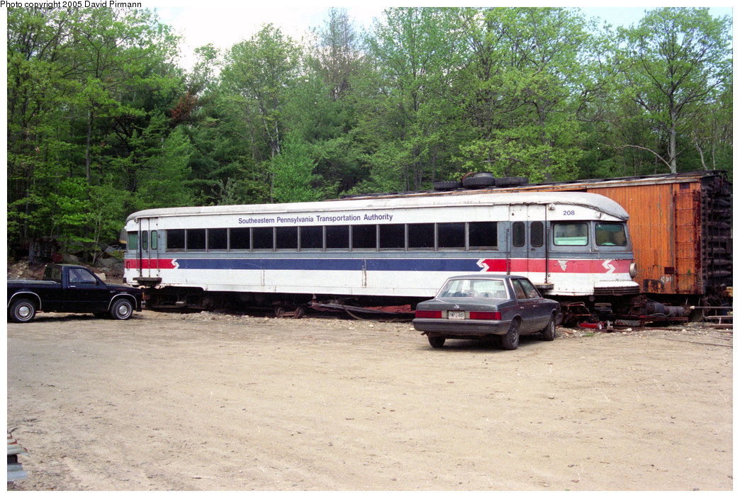 (278k, 1044x703)<br><b>Country:</b> United States<br><b>City:</b> Kennebunk, ME<br><b>System:</b> Seashore Trolley Museum <br><b>Car:</b> PSTC/SEPTA Bullet (J.G. Brill Co., 1931-1934)  208 <br><b>Photo by:</b> David Pirmann<br><b>Date:</b> 5/25/1996<br><b>Viewed (this week/total):</b> 11 / 3526