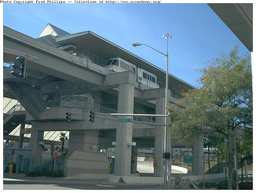 (84k, 820x620)<br><b>Country:</b> United States<br><b>City:</b> Jacksonville, FL<br><b>System:</b> Jacksonville Skyway<br><b>Photo by:</b> Fred Phillips<br><b>Date:</b> 2/2/2003<br><b>Viewed (this week/total):</b> 3 / 5230
