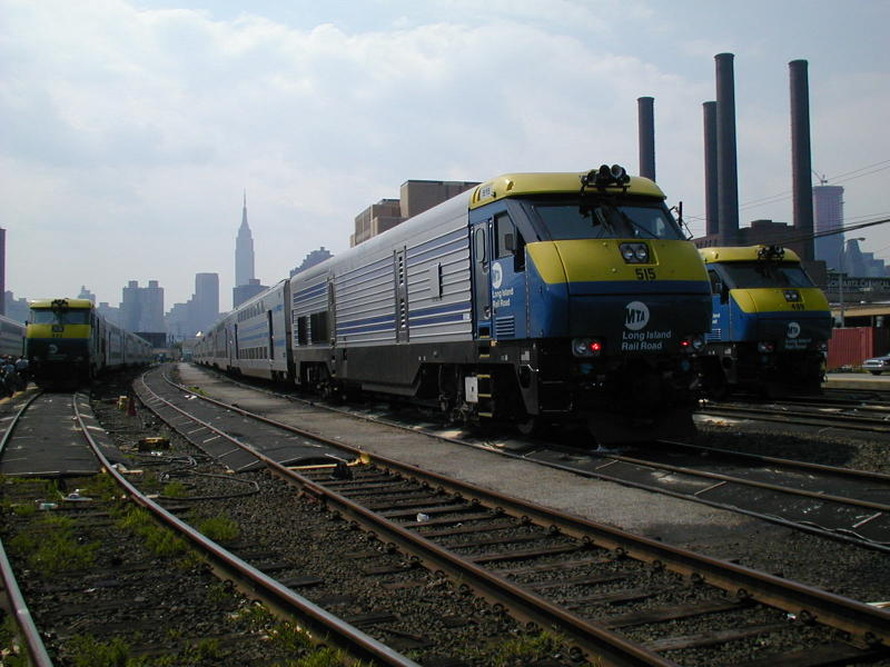 (81k, 800x600)<br><b>Country:</b> United States<br><b>City:</b> New York<br><b>System:</b> Long Island Rail Road<br><b>Line:</b> LIRR Long Island City<br><b>Location:</b> Long Island City <br><b>Car:</b> LIRR GM DM30AC (Dual Mode)  515 <br><b>Photo by:</b> Todd Glickman<br><b>Date:</b> 7/21/2000<br><b>Viewed (this week/total):</b> 0 / 3430