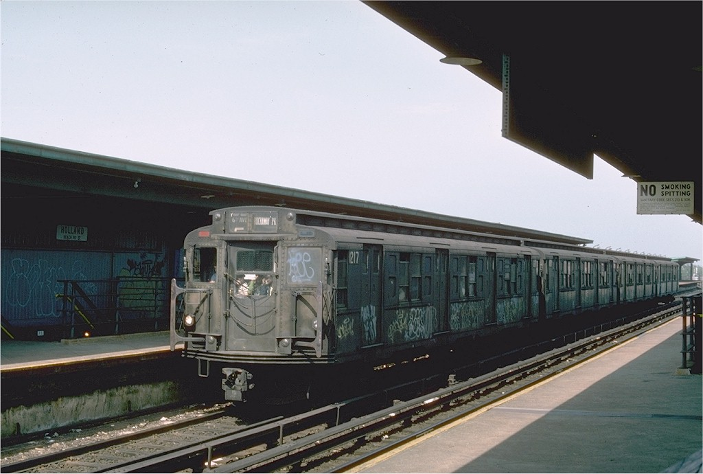 (157k, 1024x690)<br><b>Country:</b> United States<br><b>City:</b> New York<br><b>System:</b> New York City Transit<br><b>Line:</b> IND Rockaway<br><b>Location:</b> Beach 90th Street/Holland <br><b>Route:</b> E<br><b>Car:</b> R-6-2 (Pullman, 1936)  1217 <br><b>Photo by:</b> Ed McKernan<br><b>Collection of:</b> Joe Testagrose<br><b>Date:</b> 5/31/1976<br><b>Viewed (this week/total):</b> 4 / 2598