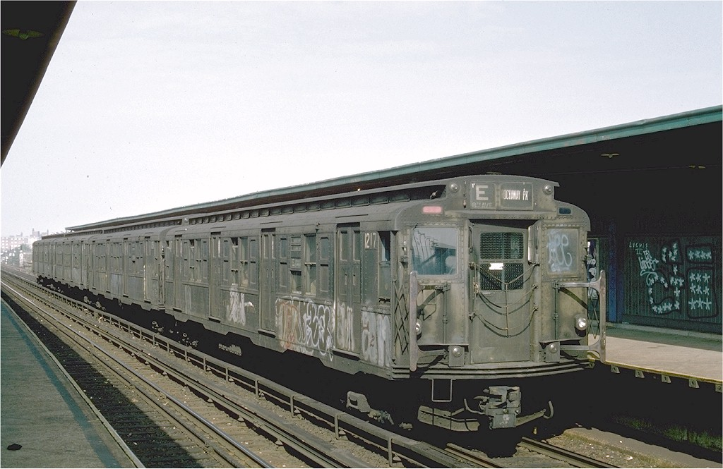 (180k, 1024x665)<br><b>Country:</b> United States<br><b>City:</b> New York<br><b>System:</b> New York City Transit<br><b>Line:</b> IND Rockaway<br><b>Location:</b> Beach 98th Street/Playland <br><b>Route:</b> E<br><b>Car:</b> R-6-2 (Pullman, 1936)  1217 <br><b>Photo by:</b> Ed McKernan<br><b>Collection of:</b> Joe Testagrose<br><b>Date:</b> 5/31/1976<br><b>Viewed (this week/total):</b> 8 / 3948
