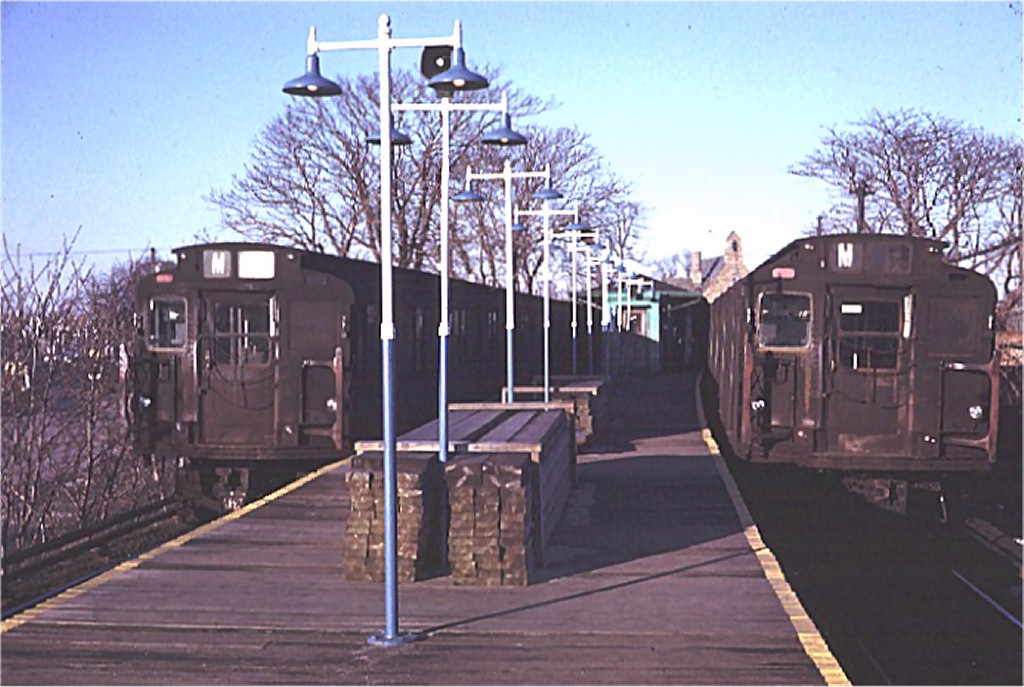(175k, 1024x687)<br><b>Country:</b> United States<br><b>City:</b> New York<br><b>System:</b> New York City Transit<br><b>Line:</b> BMT Myrtle Avenue Line<br><b>Location:</b> Metropolitan Avenue <br><b>Route:</b> M<br><b>Car:</b> R-7 (Pullman, 1937)  1509 <br><b>Photo by:</b> Doug Grotjahn<br><b>Collection of:</b> Joe Testagrose<br><b>Date:</b> 1/23/1971<br><b>Notes:</b> With R6 1671<br><b>Viewed (this week/total):</b> 2 / 2569