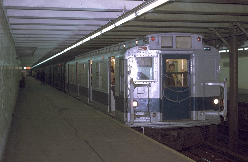 (172k, 1024x672)<br><b>Country:</b> United States<br><b>City:</b> New York<br><b>System:</b> New York City Transit<br><b>Line:</b> BMT Canarsie Line<br><b>Location:</b> 3rd Avenue <br><b>Route:</b> L<br><b>Car:</b> R-7 (Pullman, 1937)  1510 <br><b>Collection of:</b> Joe Testagrose<br><b>Date:</b> 11/9/1970<br><b>Viewed (this week/total):</b> 0 / 4247
