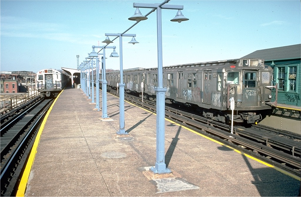 (271k, 1024x669)<br><b>Country:</b> United States<br><b>City:</b> New York<br><b>System:</b> New York City Transit<br><b>Line:</b> BMT Canarsie Line<br><b>Location:</b> Atlantic Avenue <br><b>Route:</b> L<br><b>Car:</b> R-7 (Pullman, 1937)  1524 <br><b>Photo by:</b> Joe Testagrose<br><b>Date:</b> 8/2/1970<br><b>Viewed (this week/total):</b> 0 / 3295