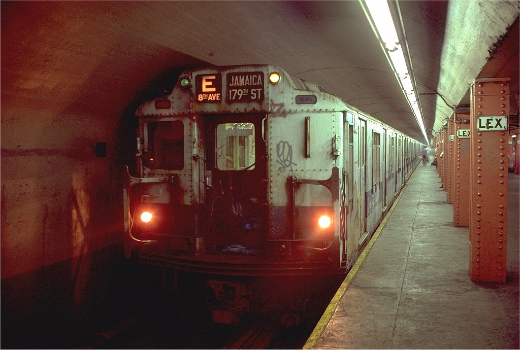 (202k, 1024x690)<br><b>Country:</b> United States<br><b>City:</b> New York<br><b>System:</b> New York City Transit<br><b>Line:</b> IND Queens Boulevard Line<br><b>Location:</b> Lexington Avenue-53rd Street <br><b>Route:</b> E<br><b>Car:</b> R-10 (American Car & Foundry, 1948) 3242 <br><b>Photo by:</b> Doug Grotjahn<br><b>Collection of:</b> Joe Testagrose<br><b>Date:</b> 8/11/1980<br><b>Viewed (this week/total):</b> 4 / 5223