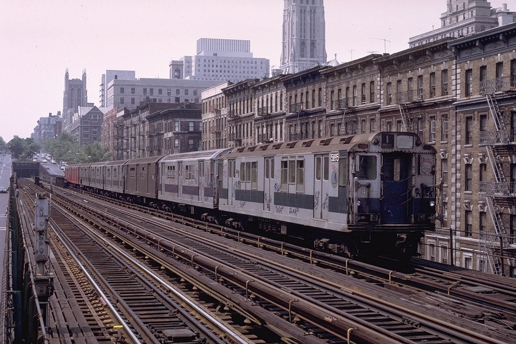 (261k, 1024x683)<br><b>Country:</b> United States<br><b>City:</b> New York<br><b>System:</b> New York City Transit<br><b>Line:</b> IRT West Side Line<br><b>Location:</b> 125th Street <br><b>Route:</b> 1<br><b>Car:</b> R-14 (American Car & Foundry, 1949) 5895 <br><b>Photo by:</b> Joe Testagrose<br><b>Date:</b> 6/4/1972<br><b>Viewed (this week/total):</b> 2 / 5315