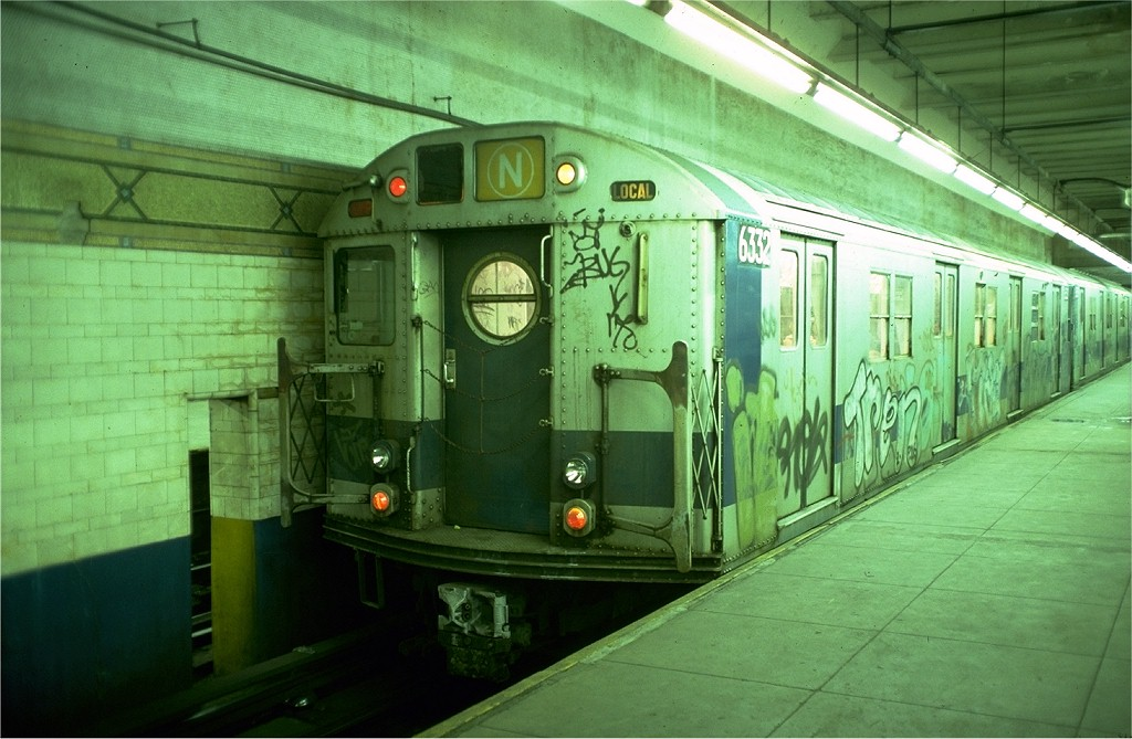 (183k, 1024x669)<br><b>Country:</b> United States<br><b>City:</b> New York<br><b>System:</b> New York City Transit<br><b>Line:</b> BMT 4th Avenue<br><b>Location:</b> Pacific Street <br><b>Route:</b> N<br><b>Car:</b> R-16 (American Car & Foundry, 1955) 6332 <br><b>Photo by:</b> Joe Testagrose<br><b>Date:</b> 12/5/1976<br><b>Viewed (this week/total):</b> 1 / 5328