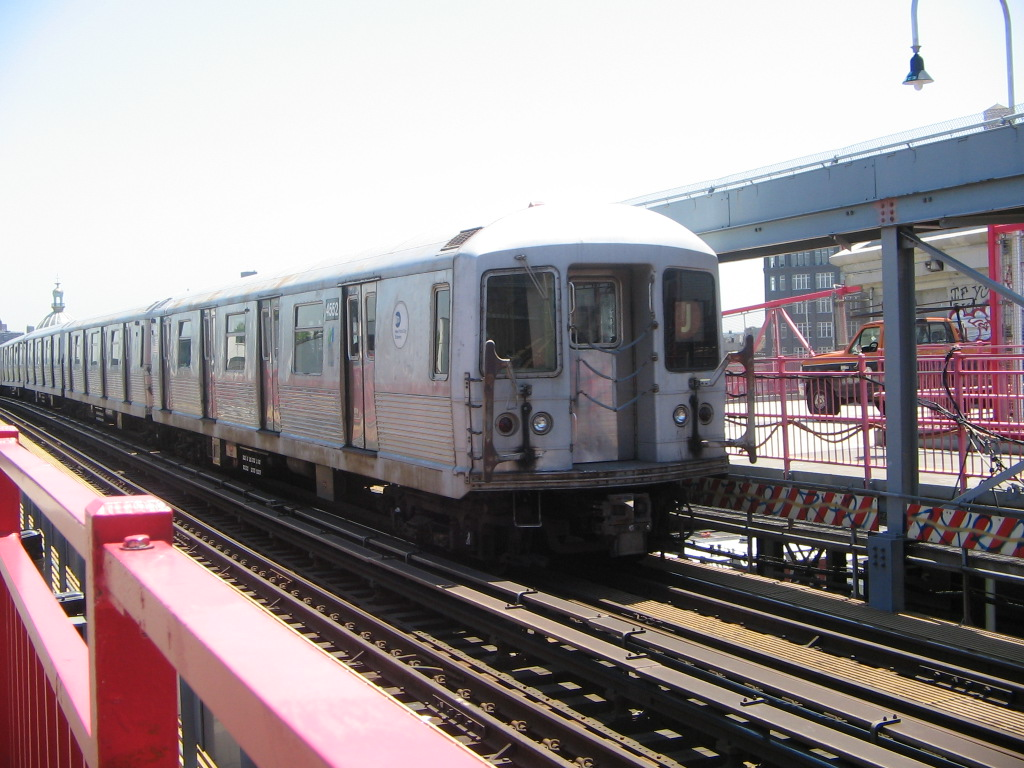 (256k, 1024x768)<br><b>Country:</b> United States<br><b>City:</b> New York<br><b>System:</b> New York City Transit<br><b>Line:</b> BMT Nassau Street/Jamaica Line<br><b>Location:</b> Williamsburg Bridge<br><b>Route:</b> J<br><b>Car:</b> R-42 (St. Louis, 1969-1970)  4552 <br><b>Photo by:</b> Jose Martinez<br><b>Date:</b> 5/27/2005<br><b>Viewed (this week/total):</b> 4 / 3417
