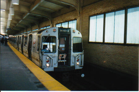 (30k, 450x300)<br><b>Country:</b> United States<br><b>City:</b> Newark, NJ<br><b>System:</b> PATH<br><b>Location:</b> Newark (Penn Station) <br><b>Car:</b> PATH PA-4 (Kawasaki, 1986)   <br><b>Photo by:</b> Tony Mirabella<br><b>Viewed (this week/total):</b> 7 / 4928