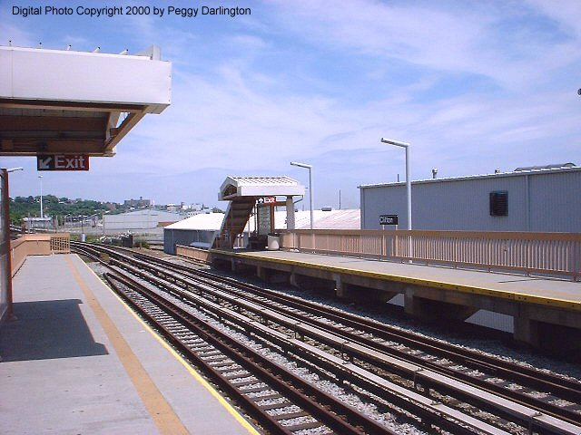 (79k, 640x480)<br><b>Country:</b> United States<br><b>City:</b> New York<br><b>System:</b> New York City Transit<br><b>Line:</b> SIRT<br><b>Location:</b> Clifton <br><b>Photo by:</b> Peggy Darlington<br><b>Date:</b> 6/2000<br><b>Viewed (this week/total):</b> 0 / 3881