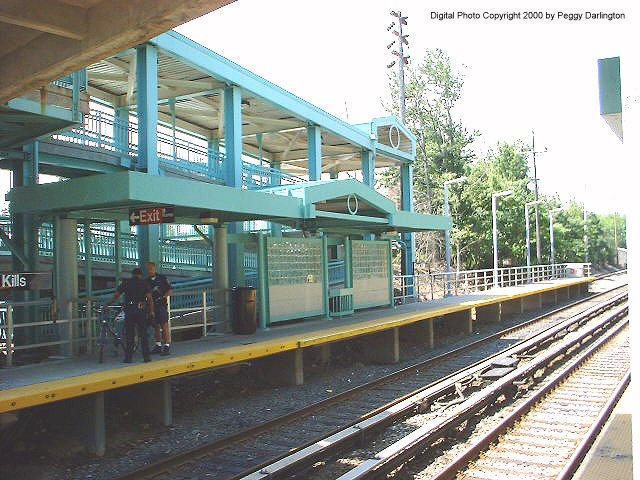 (94k, 640x480)<br><b>Country:</b> United States<br><b>City:</b> New York<br><b>System:</b> New York City Transit<br><b>Line:</b> SIRT<br><b>Location:</b> Great Kills <br><b>Photo by:</b> Peggy Darlington<br><b>Date:</b> 6/2000<br><b>Viewed (this week/total):</b> 0 / 3927
