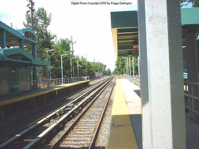 (85k, 640x480)<br><b>Country:</b> United States<br><b>City:</b> New York<br><b>System:</b> New York City Transit<br><b>Line:</b> SIRT<br><b>Location:</b> Great Kills <br><b>Photo by:</b> Peggy Darlington<br><b>Date:</b> 6/2000<br><b>Viewed (this week/total):</b> 2 / 3013