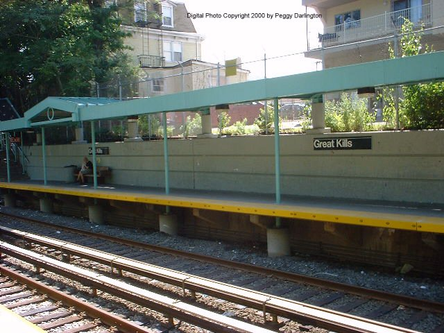 (83k, 640x480)<br><b>Country:</b> United States<br><b>City:</b> New York<br><b>System:</b> New York City Transit<br><b>Line:</b> SIRT<br><b>Location:</b> Great Kills <br><b>Photo by:</b> Peggy Darlington<br><b>Date:</b> 6/2000<br><b>Viewed (this week/total):</b> 3 / 3442