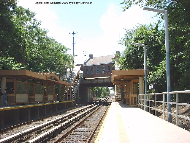 (99k, 640x480)<br><b>Country:</b> United States<br><b>City:</b> New York<br><b>System:</b> New York City Transit<br><b>Line:</b> SIRT<br><b>Location:</b> Huguenot <br><b>Photo by:</b> Peggy Darlington<br><b>Date:</b> 6/2000<br><b>Viewed (this week/total):</b> 3 / 3621