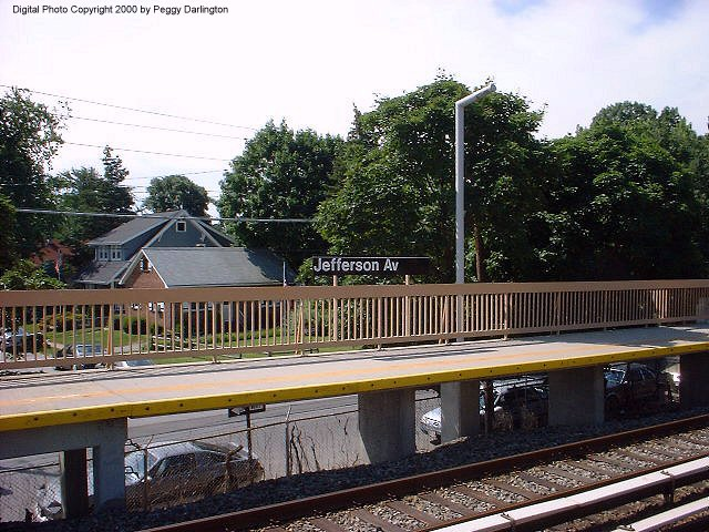 (99k, 640x480)<br><b>Country:</b> United States<br><b>City:</b> New York<br><b>System:</b> New York City Transit<br><b>Line:</b> SIRT<br><b>Location:</b> Jefferson Avenue <br><b>Photo by:</b> Peggy Darlington<br><b>Date:</b> 6/2000<br><b>Viewed (this week/total):</b> 0 / 3164