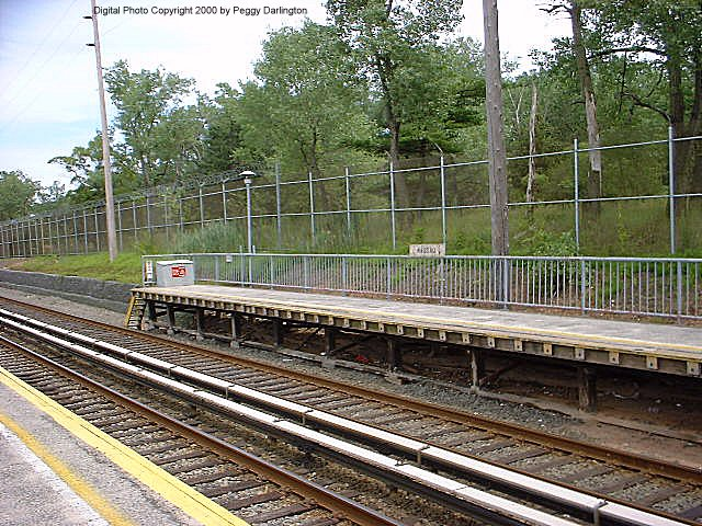 (117k, 640x480)<br><b>Country:</b> United States<br><b>City:</b> New York<br><b>System:</b> New York City Transit<br><b>Line:</b> SIRT<br><b>Location:</b> Nassau <br><b>Photo by:</b> Peggy Darlington<br><b>Date:</b> 6/2000<br><b>Viewed (this week/total):</b> 2 / 3570