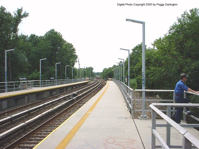 (84k, 640x480)<br><b>Country:</b> United States<br><b>City:</b> New York<br><b>System:</b> New York City Transit<br><b>Line:</b> SIRT<br><b>Location:</b> Pleasant Plains <br><b>Photo by:</b> Peggy Darlington<br><b>Date:</b> 6/2000<br><b>Viewed (this week/total):</b> 0 / 3298