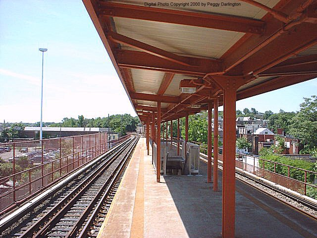 (94k, 640x480)<br><b>Country:</b> United States<br><b>City:</b> New York<br><b>System:</b> New York City Transit<br><b>Line:</b> SIRT<br><b>Location:</b> Stapleton <br><b>Photo by:</b> Peggy Darlington<br><b>Date:</b> 6/2000<br><b>Viewed (this week/total):</b> 0 / 4708