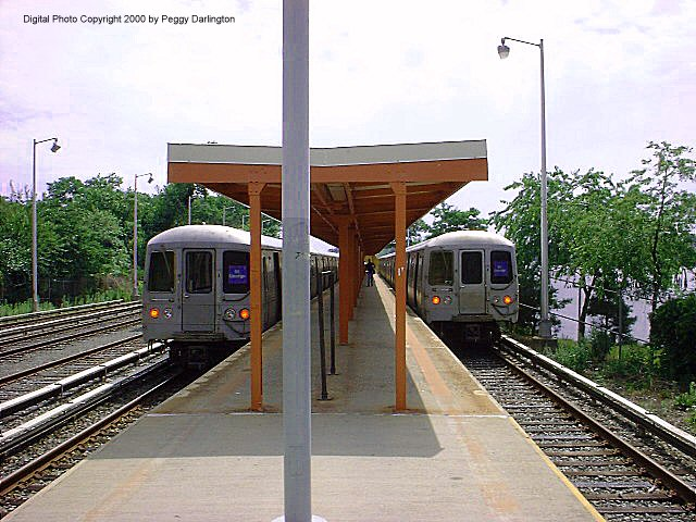 (92k, 640x480)<br><b>Country:</b> United States<br><b>City:</b> New York<br><b>System:</b> New York City Transit<br><b>Line:</b> SIRT<br><b>Location:</b> Tottenville <br><b>Car:</b> R-44 SIRT (St. Louis, 1971-1973)  <br><b>Photo by:</b> Peggy Darlington<br><b>Date:</b> 6/2000<br><b>Viewed (this week/total):</b> 4 / 6094