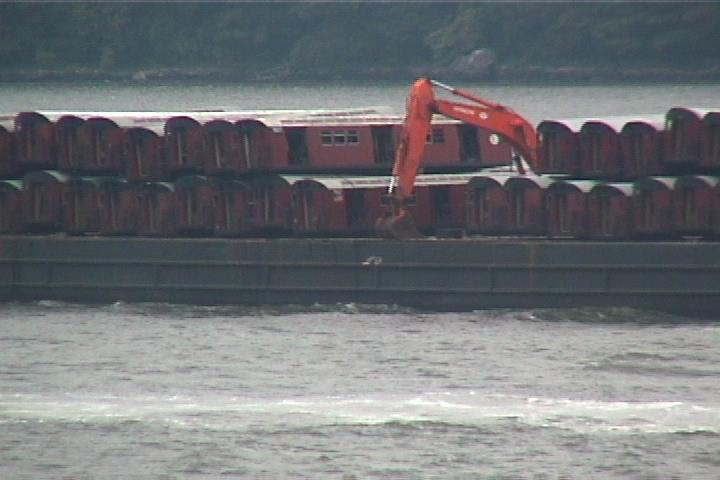 (37k, 720x480)<br><b>Country:</b> United States<br><b>City:</b> New York<br><b>System:</b> New York City Transit<br><b>Location:</b> Barge on Hudson River<br><b>Photo by:</b> Danny Burstein<br><b>Date:</b> 8/25/2002<br><b>Viewed (this week/total):</b> 0 / 3128