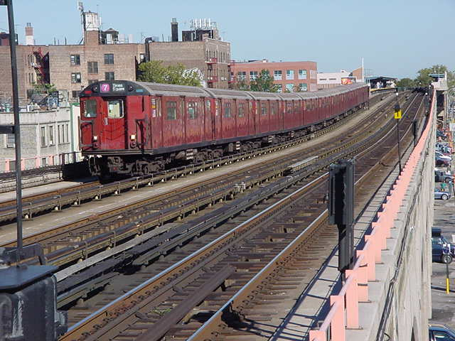 (60k, 640x480)<br><b>Country:</b> United States<br><b>City:</b> New York<br><b>System:</b> New York City Transit<br><b>Line:</b> IRT Flushing Line<br><b>Location:</b> 40th Street/Lowery Street <br><b>Route:</b> 7<br><b>Car:</b> R-36 World's Fair (St. Louis, 1963-64)  <br><b>Photo by:</b> Salaam Allah<br><b>Date:</b> 9/18/2002<br><b>Viewed (this week/total):</b> 2 / 3301