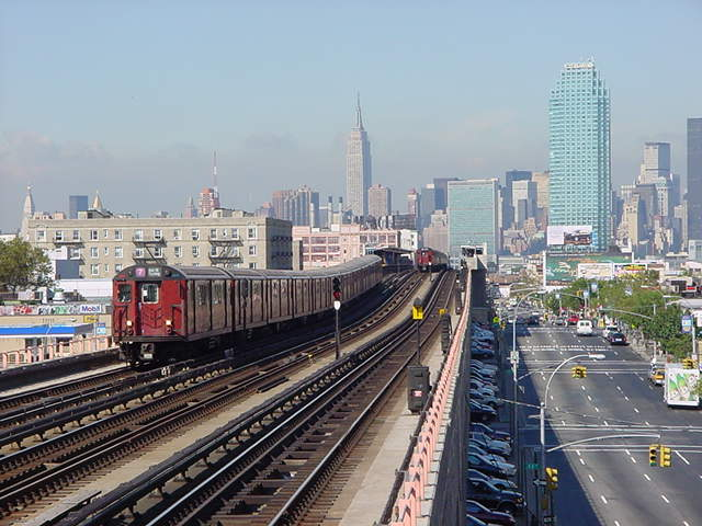 (60k, 640x480)<br><b>Country:</b> United States<br><b>City:</b> New York<br><b>System:</b> New York City Transit<br><b>Line:</b> IRT Flushing Line<br><b>Location:</b> 40th Street/Lowery Street <br><b>Route:</b> 7<br><b>Car:</b> R-36 World's Fair (St. Louis, 1963-64)  <br><b>Photo by:</b> Salaam Allah<br><b>Date:</b> 9/19/2002<br><b>Viewed (this week/total):</b> 0 / 3708
