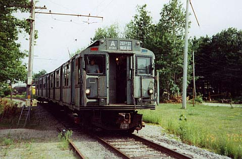 (44k, 479x315)<br><b>Country:</b> United States<br><b>City:</b> Kennebunk, ME<br><b>System:</b> Seashore Trolley Museum <br><b>Car:</b> R-7 (American Car & Foundry, 1937)  1440 <br><b>Photo by:</b> Thurston Clark<br><b>Date:</b> 7/15/2000<br><b>Notes:</b> R-7A & R-4 lash up with Bill Pollman (Seashore's Rapid Transit Curator) in the cab<br><b>Viewed (this week/total):</b> 3 / 3778