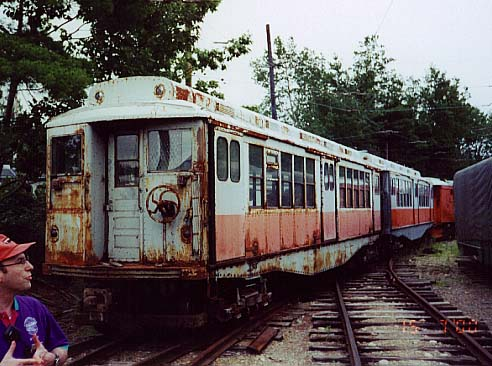 (53k, 492x366)<br><b>Country:</b> United States<br><b>City:</b> Kennebunk, ME<br><b>System:</b> Seashore Trolley Museum <br><b>Car:</b> MBTA 0900 Series (Wason, 1928) 0997 <br><b>Photo by:</b> Thurston Clark<br><b>Date:</b> 7/15/2000<br><b>Notes:</b> Boston Orange Line #10 El cars #0997 & 1000, mfg 1928 by Watson & Todd<br><b>Viewed (this week/total):</b> 0 / 2083