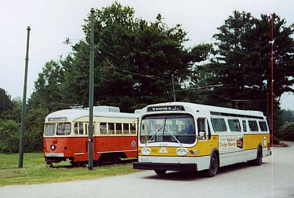 (34k, 427x288)<br><b>Country:</b> United States<br><b>City:</b> Kennebunk, ME<br><b>System:</b> Seashore Trolley Museum <br><b>Photo by:</b> Thurston Clark<br><b>Date:</b> 7/15/2000<br><b>Notes:</b> Boston PCC/Dallas Car & GM Fishbowl #6129<br><b>Viewed (this week/total):</b> 1 / 3729