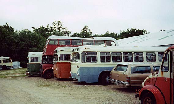 (39k, 569x342)<br><b>Country:</b> United States<br><b>City:</b> Kennebunk, ME<br><b>System:</b> Seashore Trolley Museum <br><b>Photo by:</b> Thurston Clark<br><b>Date:</b> 7/15/2000<br><b>Notes:</b> #623 Wilmington DE, Mfg 1939 by JG Brill 40-SMT trackless trolley; #504; #RTL-1628; #788 Boston, Mfg 1947 by Mack; #31 Biddeford & Saco Bus Lines, Mfg 1947 by AFC Brill C-36 under floor gasoline<br><b>Viewed (this week/total):</b> 0 / 3369