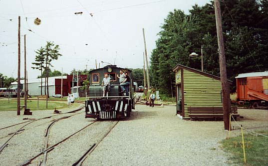 (46k, 537x333)<br><b>Country:</b> United States<br><b>City:</b> Kennebunk, ME<br><b>System:</b> Seashore Trolley Museum <br><b>Car:</b> Oshawa Railway (Baldwin/Westinghouse) 300 <br><b>Photo by:</b> Thurston Clark<br><b>Date:</b> 7/15/2000<br><b>Notes:</b> Baldwin-Westinghouse #300, a 50 ton Steeple Cab Road Engine about to traverse the double slip switches<br><b>Viewed (this week/total):</b> 0 / 1652